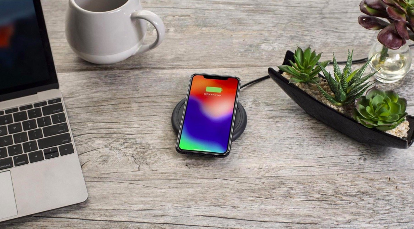 Mophie Wireless Charging Base 7.5W wireless technology for Qi-enabled  Device (round shape) - Apple Optimized - Black